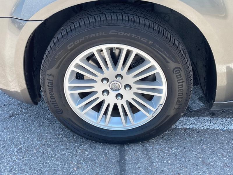 Chrysler 300 2009 price $9,995