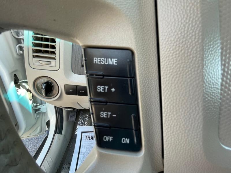 Ford Escape 2009 price $9,995