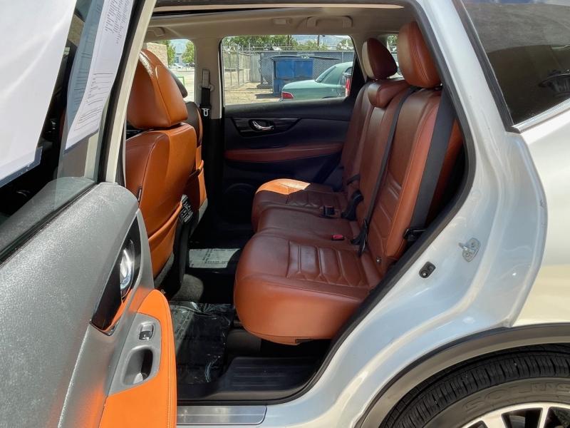 Nissan Rogue 2017 price $24,995