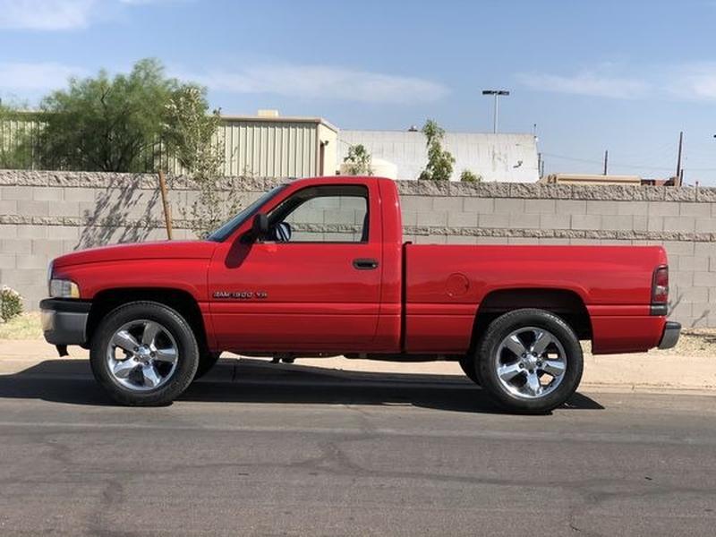 Dodge Ram 1500 2000 price $5,200
