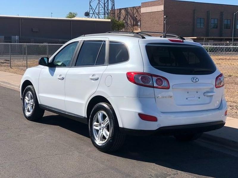 Hyundai Santa Fe 2012 price $5,000