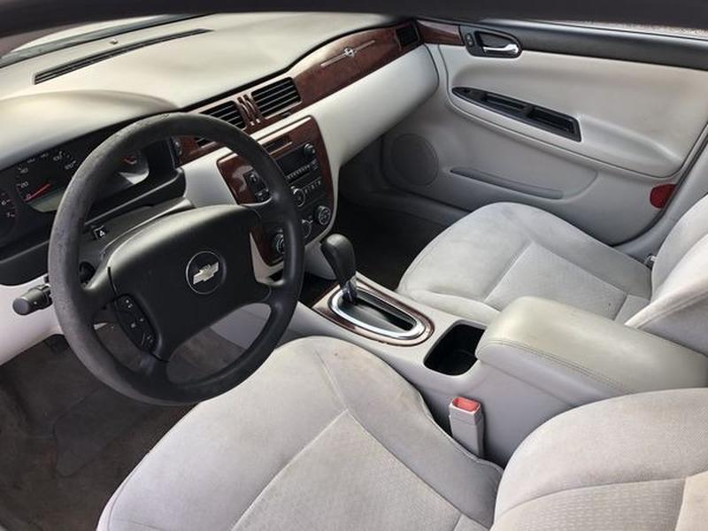 Chevrolet Impala 2007 price $2,800