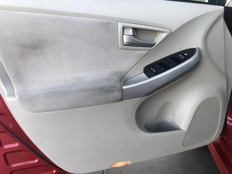 Toyota Prius 2015 price $7,200