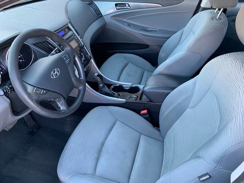 Hyundai Sonata Hybrid 2013 price $5,800