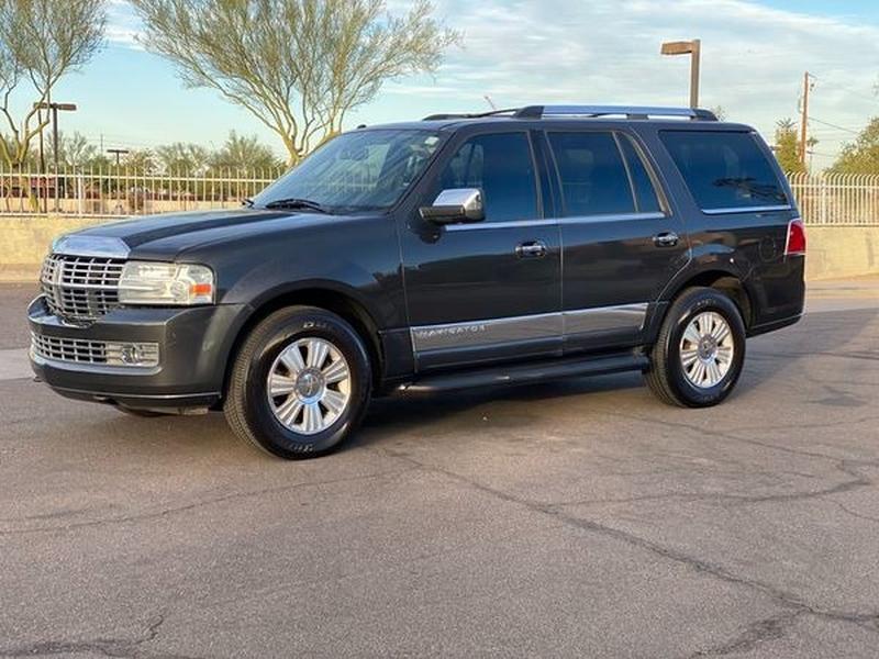 Lincoln Navigator 2007 price $6,800