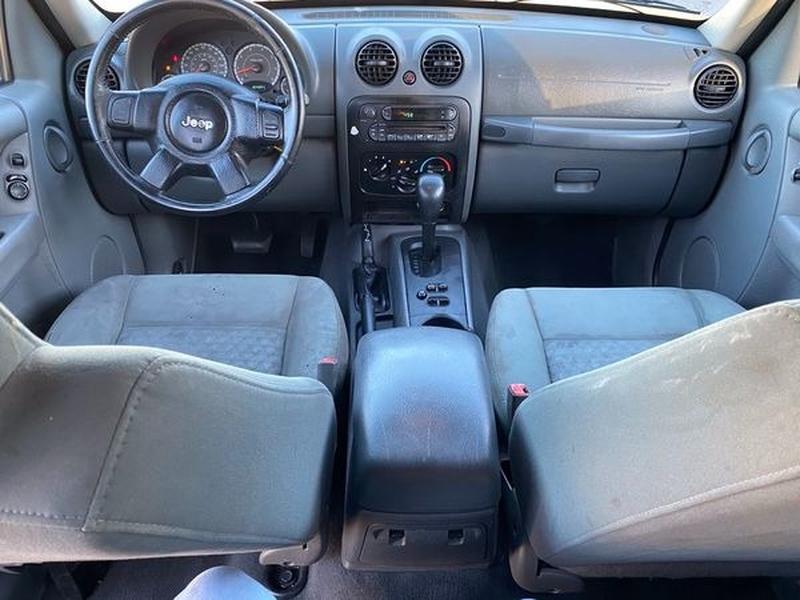 Jeep Liberty 2007 price $3,200