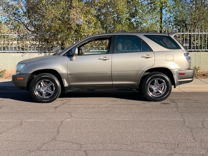 Lexus RX 300 2001 price $0