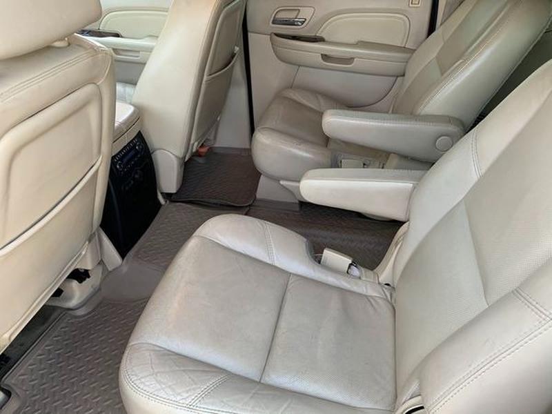 Cadillac Escalade ESV 2007 price $8,800
