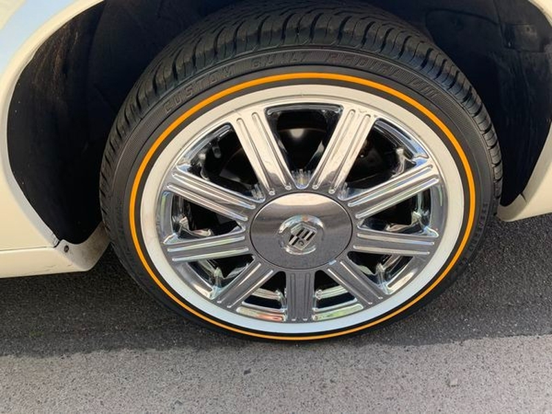 Cadillac Eldorado 2000 price $8,500