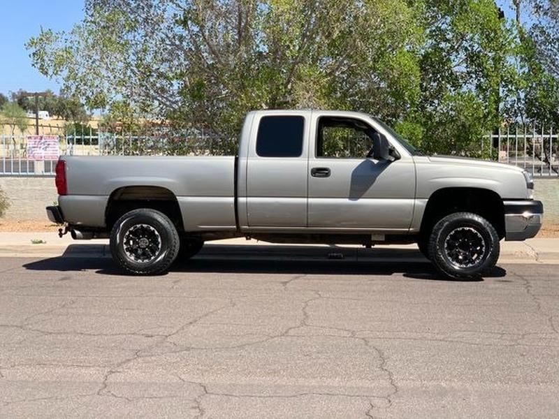 Chevrolet Silverado 2500HD 2003 price $10,500