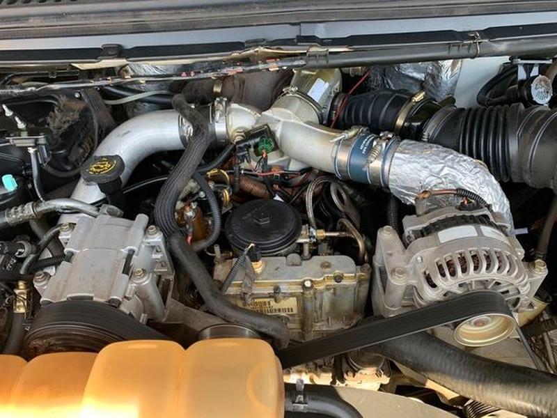 Ford Super Duty F-350 SRW 2001 price $10,500