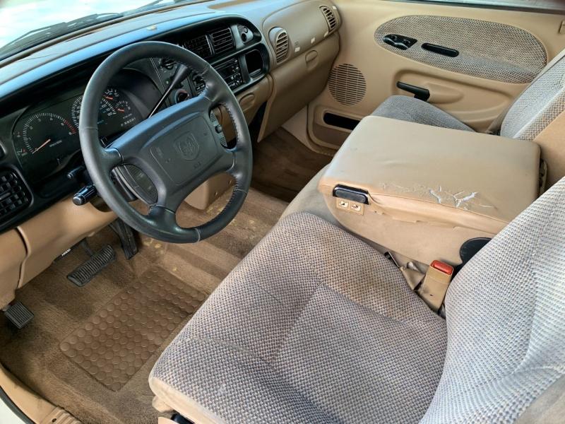 Dodge Ram 1500 2001 price $6,500