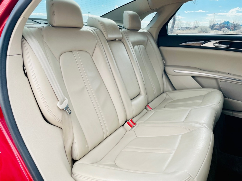 Lincoln MKZ 2016 price $18,950