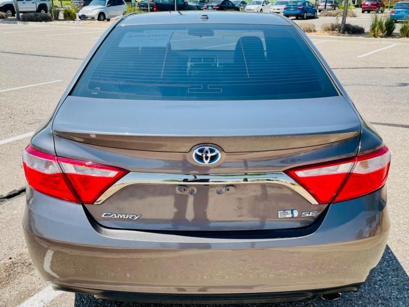 Toyota Camry Hybrid 2015 price $14,750