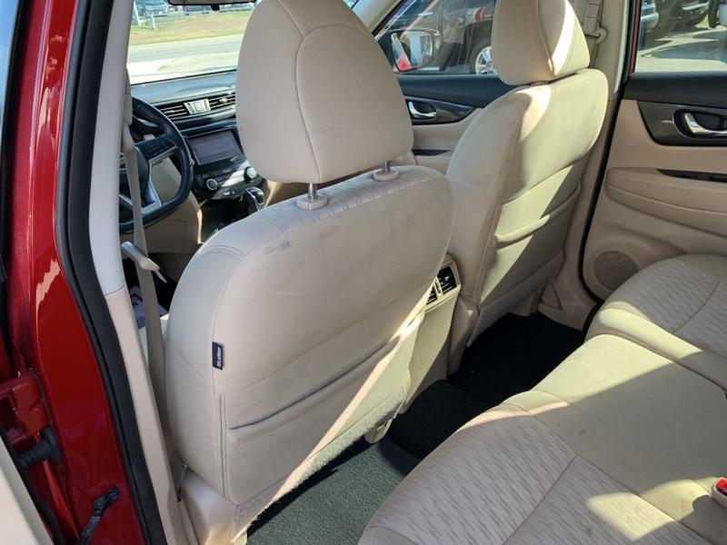 Nissan Rogue 2017 price $16,900