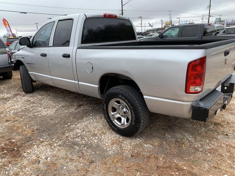 Dodge Ram Pickup 1500 2006 price $7,950