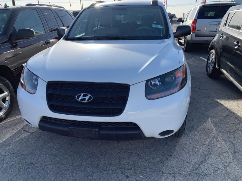 Hyundai Santa Fe 2009 price $6,900