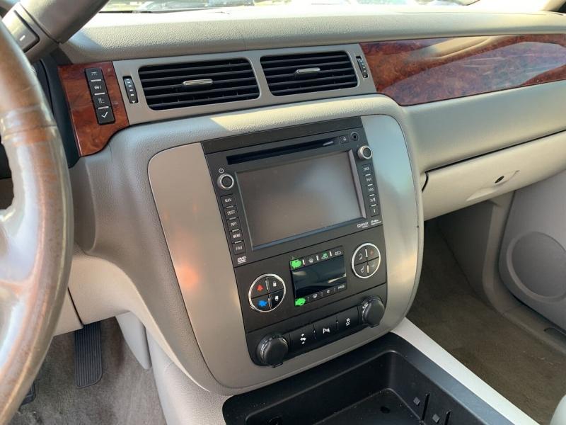 Chevrolet Avalanche 2013 price $17,900
