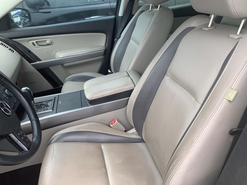 Mazda CX-9 2011 price $12,900