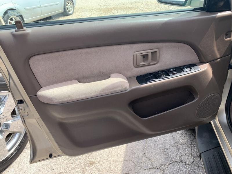 Toyota 4Runner 2001 price $8,950