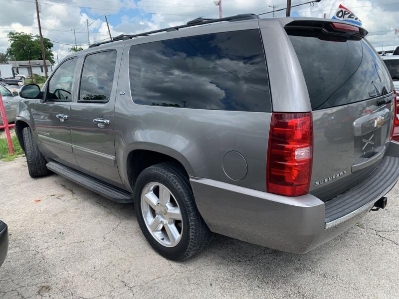 Chevrolet Suburban 2009 price $15,750