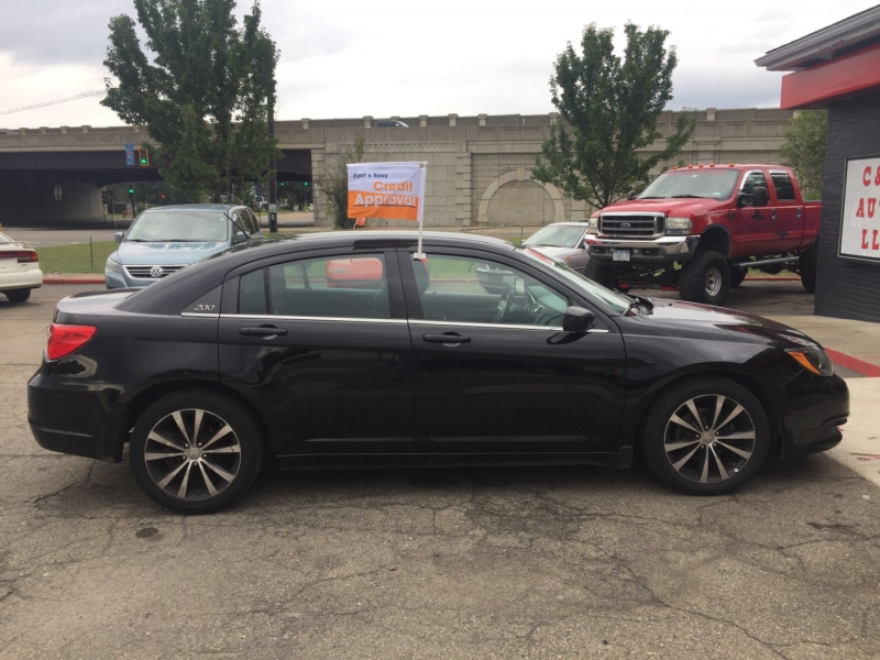 Chrysler 200 2014 price $7,495
