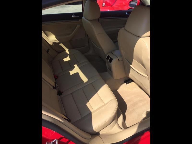 Volkswagen Jetta Sedan 2008 price $3,900