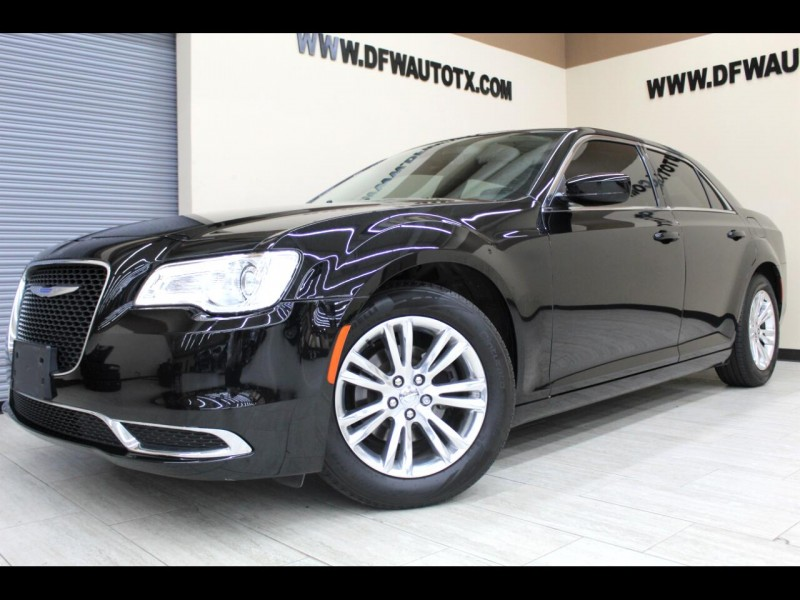 Chrysler 300 2018 price $16,995
