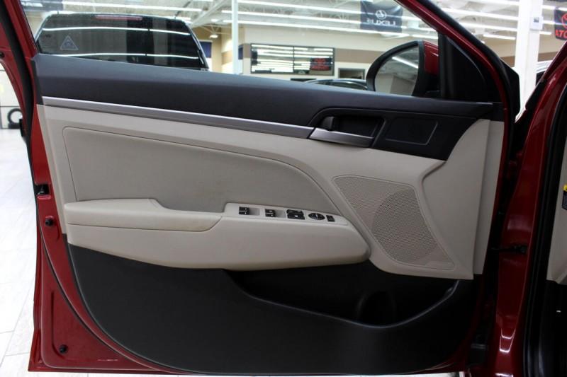 Hyundai Elantra 2017 price $13,995