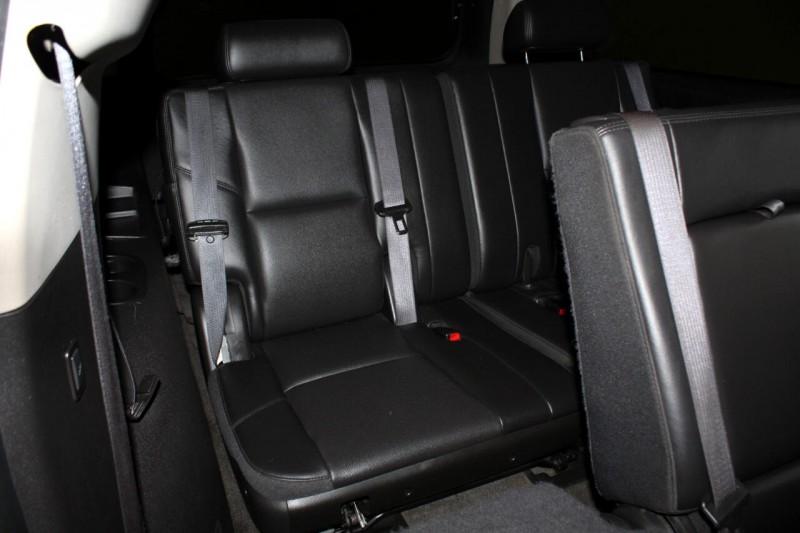 Chevrolet Suburban 2010 price $10,995