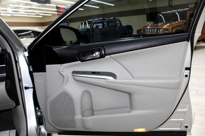 Toyota Camry Hybrid 2012 price $9,995