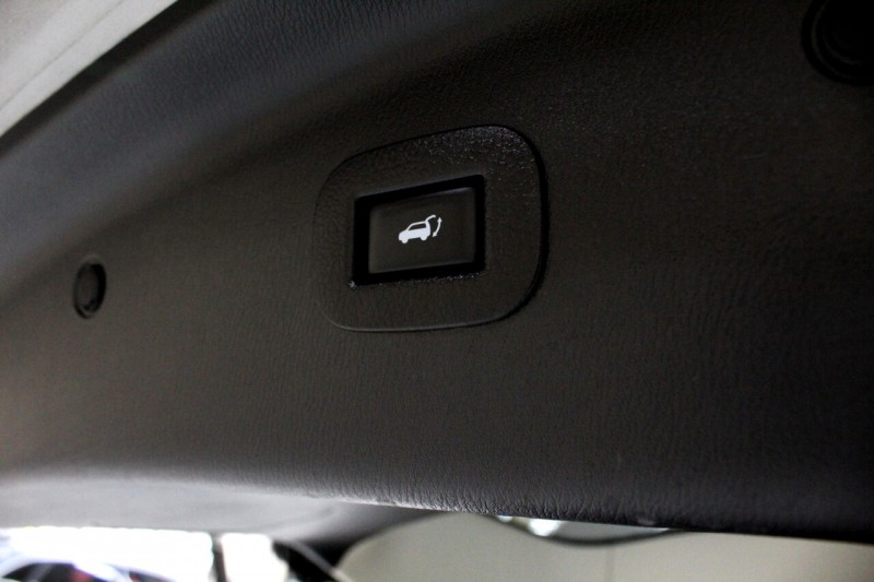 Infiniti QX80 2014 price $18,995