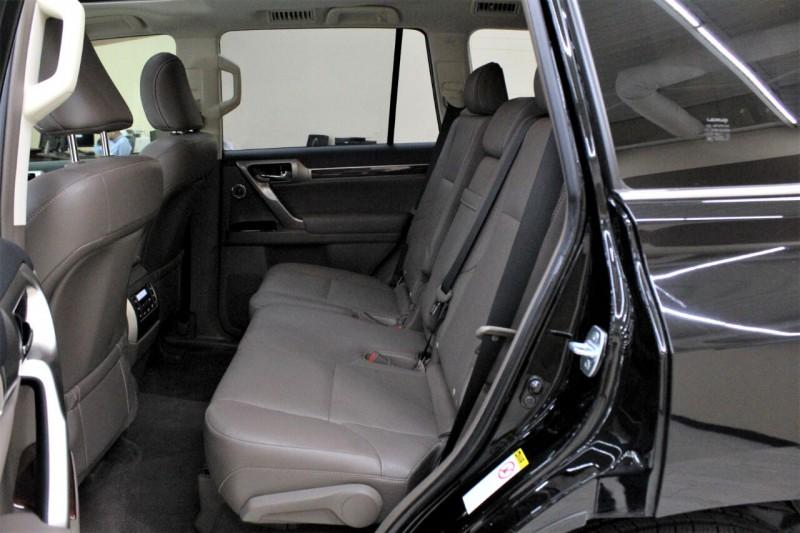 Lexus GX 460 2013 price $25,995