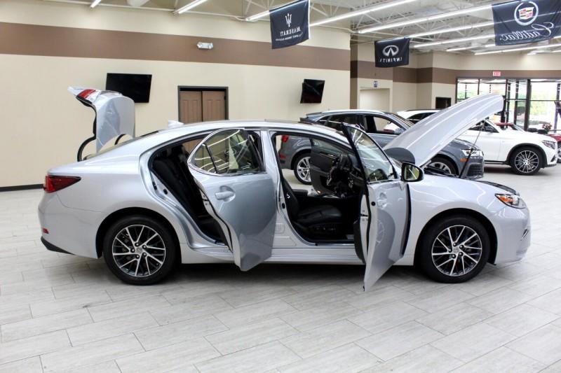 Lexus ES 350 2017 price $27,995