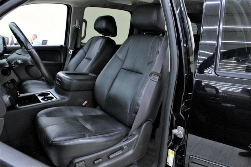 Chevrolet Suburban 2013 price $14,995