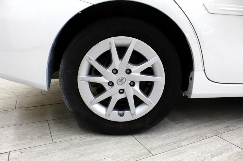 Toyota Prius V 2014 price $10,995