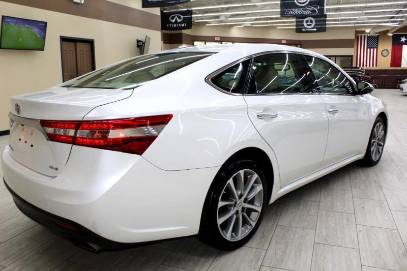 Toyota Avalon 2015 price $12,995