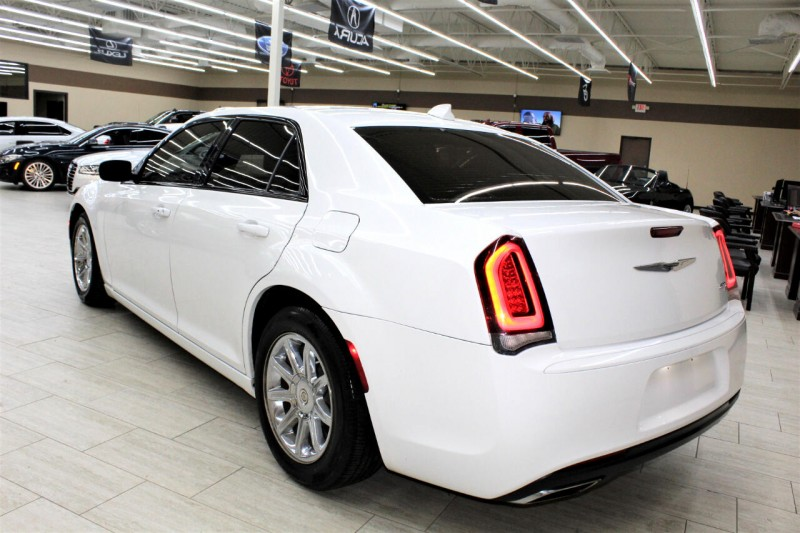 Chrysler 300 2015 price $14,995