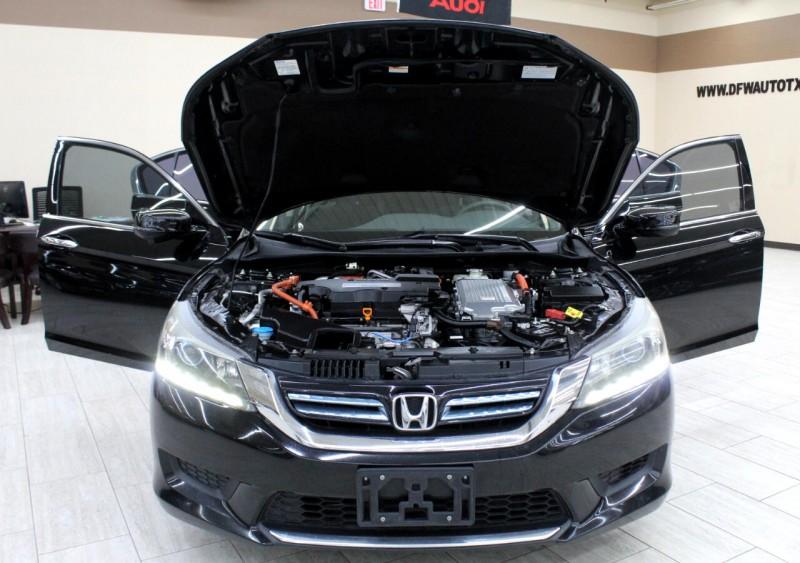 Honda Accord Hybrid 2015 price $10,995
