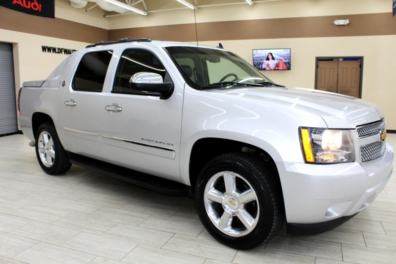 Chevrolet Avalanche 2013 price $15,995