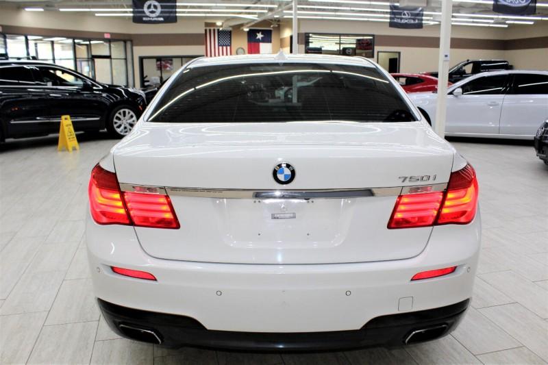 BMW 750i 2012 price $13,995