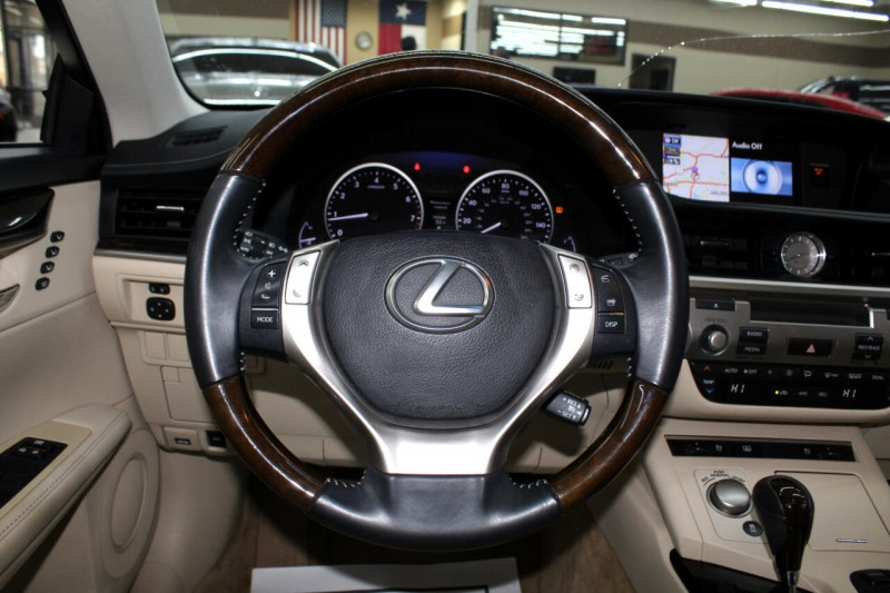 Lexus ES 350 2013 price $14,995
