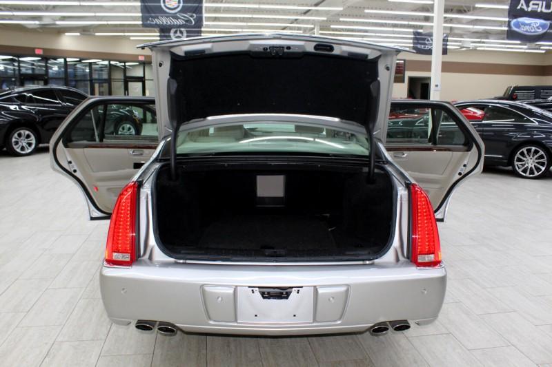 Cadillac DTS 2006 price $9,995