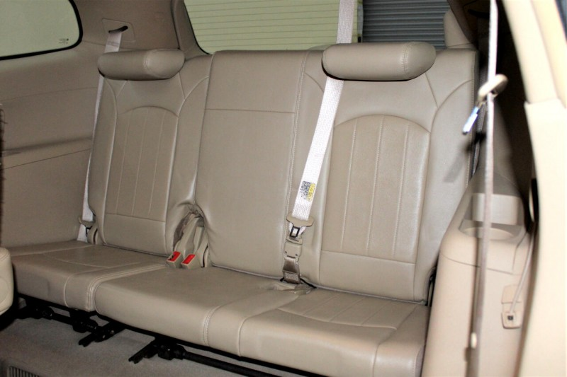 Buick Enclave 2010 price $7,995