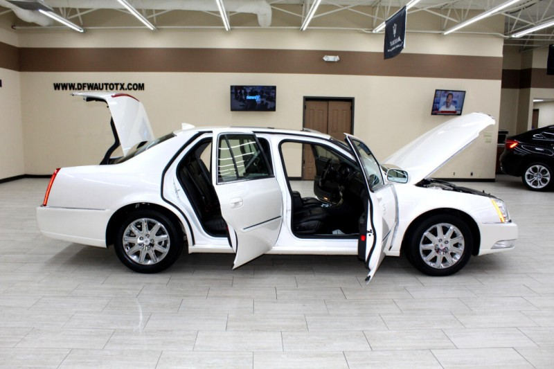 Cadillac DTS 2010 price $10,995