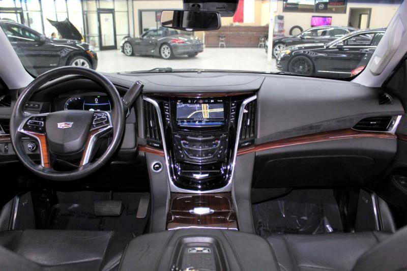Cadillac Escalade 2017 price $42,995