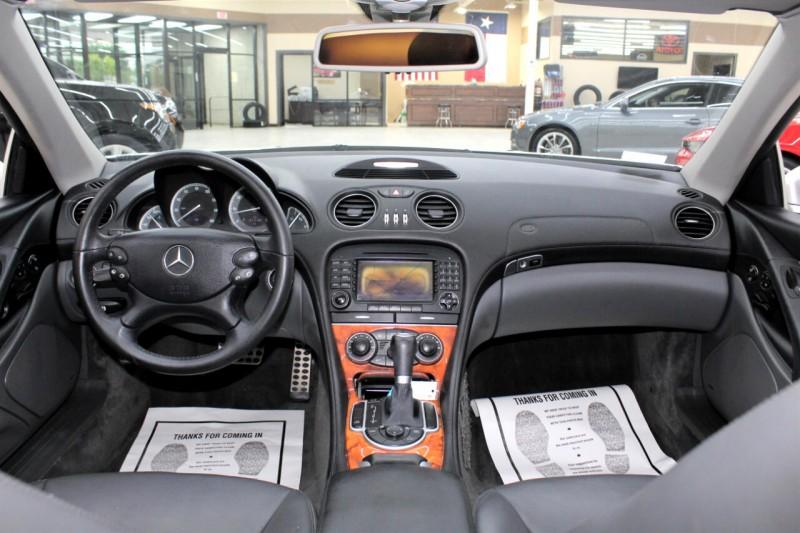 Mercedes-Benz SL-Class 2005 price $19,995