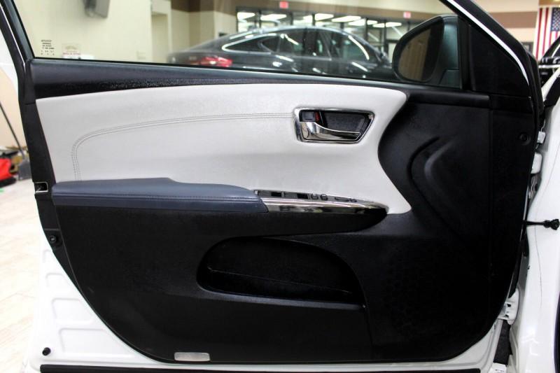 Toyota Avalon 2014 price $14,995