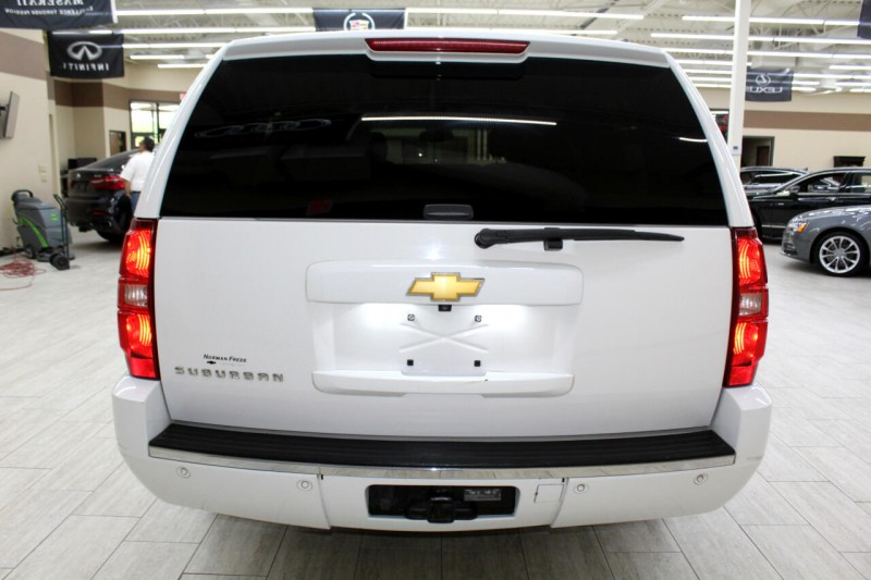 Chevrolet Suburban 2013 price $11,995