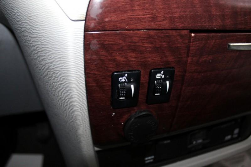 Toyota Sienna 2013 price $10,995
